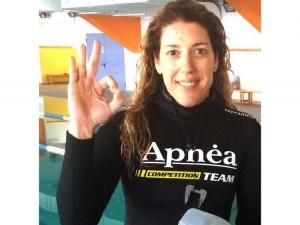 Ρεκόρ στην κολυμβητική Απνοια από Τρικαλινή