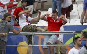 Η UEFA απειλεί με αποκλεισμό Αγγλία και Ρωσία