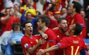 Στο… παρά τρία  η Ισπανία & Ισοπαλία Σουηδία- Ιρλανδία