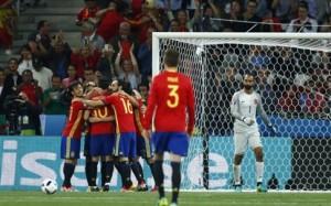 Σαρωτική η Ισπανία,  ενώ η Τσεχία 2-2 την Κροατία