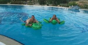 Με «κροκοδειλάκια και χελώνες» στην πισίνα Γιαλιάς και Ψιμουλάκης