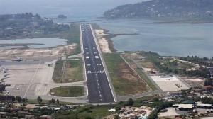 Η Fraport βάζει αεροδρομιόσημο που θα φτάνει τα 13 ευρώ!