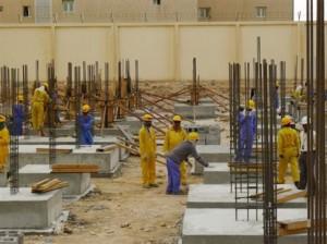 Μήνυση στη FIFA για τη μεταχείριση των εργατών