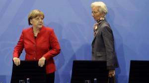 Το ΔΝΤ απειλεί να τινάξει στον αέρα το ελληνικό πρόγραμμα