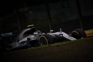 Ο Rosberg νικητής στην Ιαπωνία και κοντά στον τίτλο