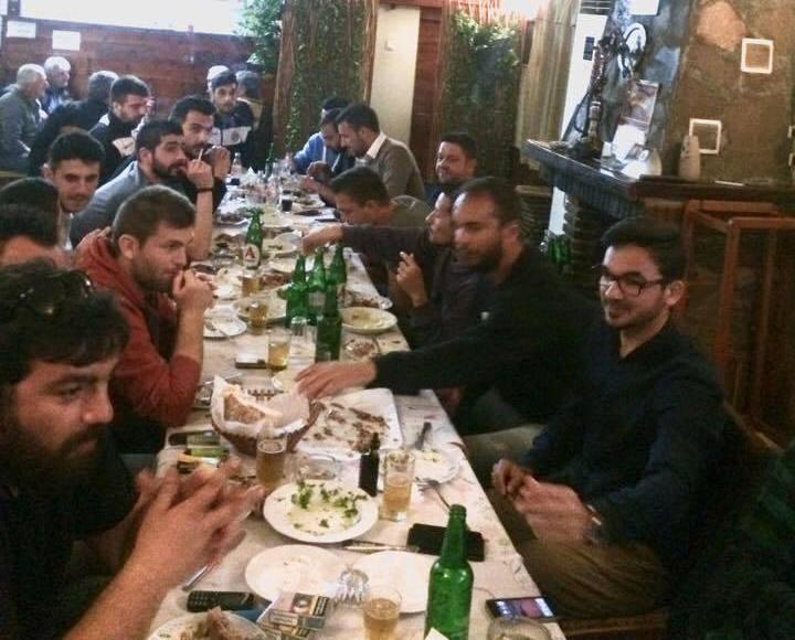 Τραπέζι στα Καλύβια