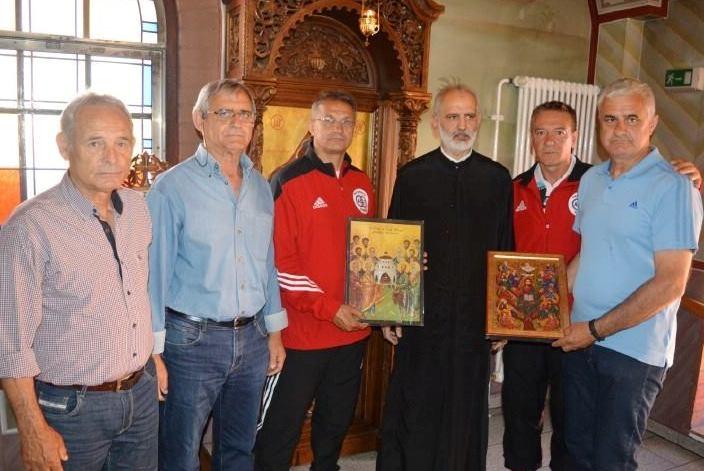Δώρισαν εικόνες σε ναό της Νυρεμβέργης οι Παλαίμαχοι