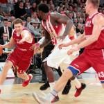 Στον Ολυμπιακό ο Λετονός Στρέλνιεκς
