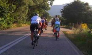 Έρχεται με συνοδεία ποδηλάτων μέχρι Τρίκαλα