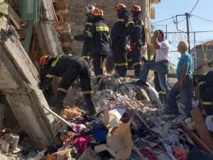 Ανασύρθηκε νεκρή γυναίκα από τα ερείπια