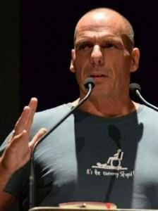 Η απόλυτη «σπόντα» Βαρουφάκη προς τον Σόιμπλε ήρθε μέσω… μπλούζα