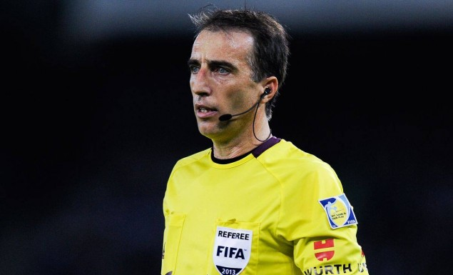 O Ισπανός Μπορμπαλάν σφυρίζει στον τελικό του Κυπέλλου