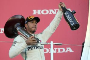 GP Ιαπωνίας: Άνετη νίκη για Χάμιλτον, αγκαλιά με τον τίτλο